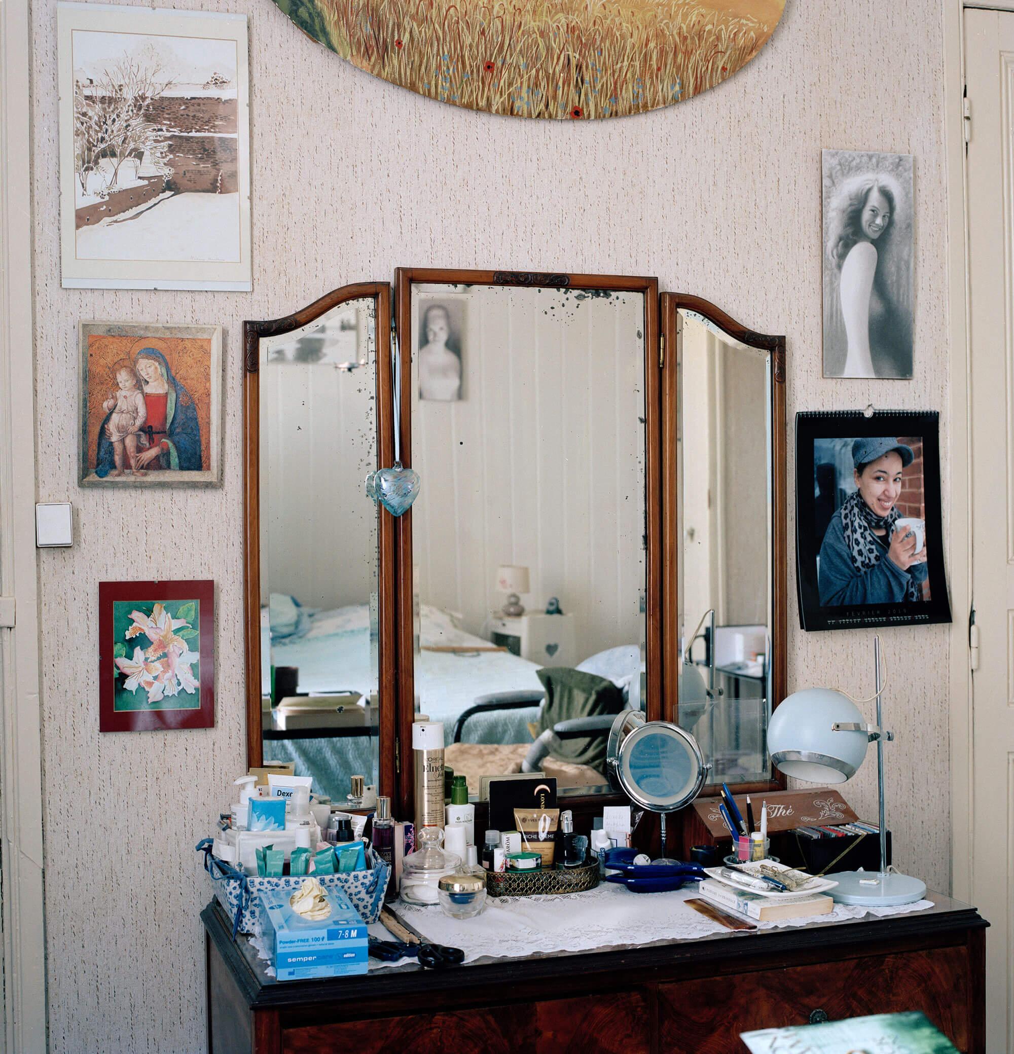 The South West Collective Maia Pavey Chez Moi De Loin photography photographer documentary kodak medium format film Nikon canon journalism document