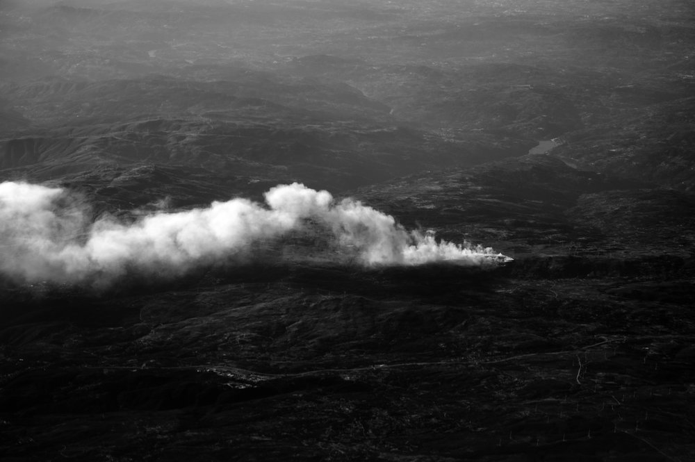 Beatriz Temudo- O Milagre da Multiplicação moorland fire seen from airplane