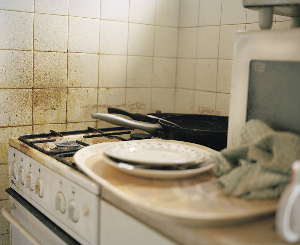 Sandra Mickiewicz Happy Club disgusting dirty kitchen with mould on the walls