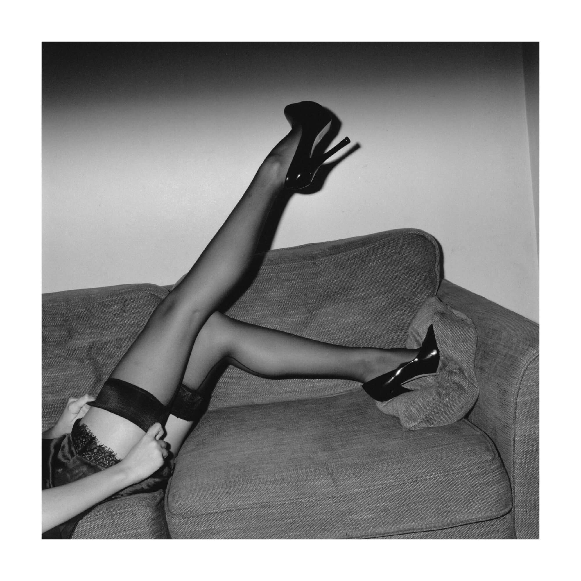 suspenders pin up sexy legs girl female