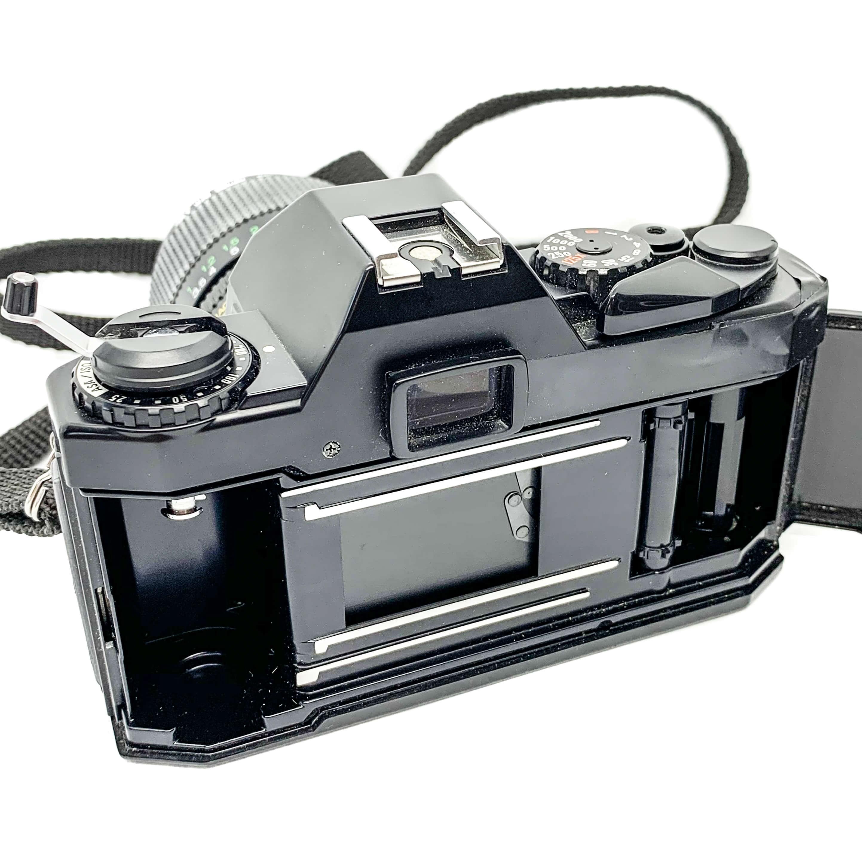Stunning Vivitar V335 35mm Film camera +28-70mm Lens (Tested and Working)