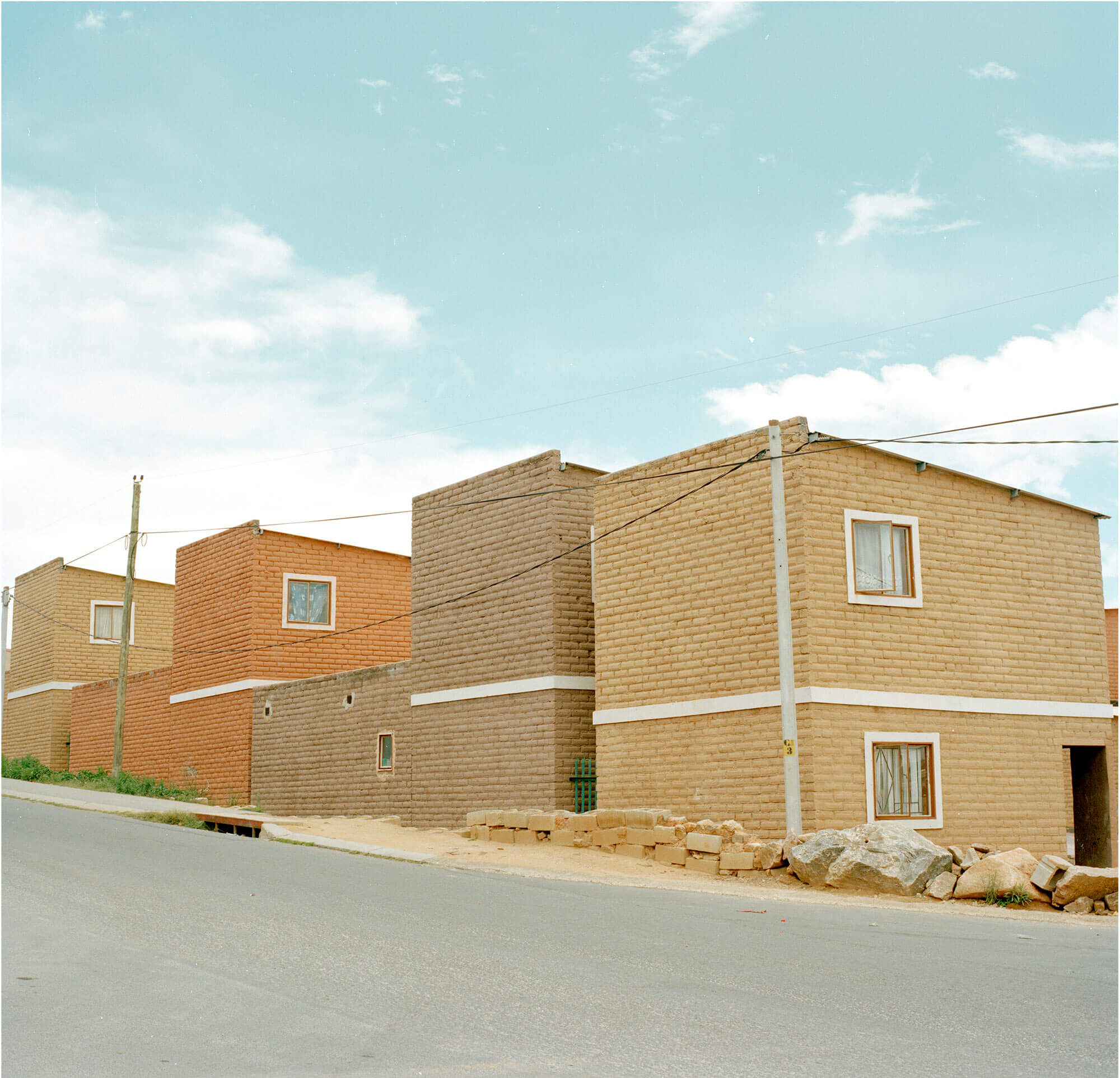 Claudio Rasano SOUTH AFRICA EVERYONE LIVE IN THE SAME PLACE LIKE BEFORE pictures of houses