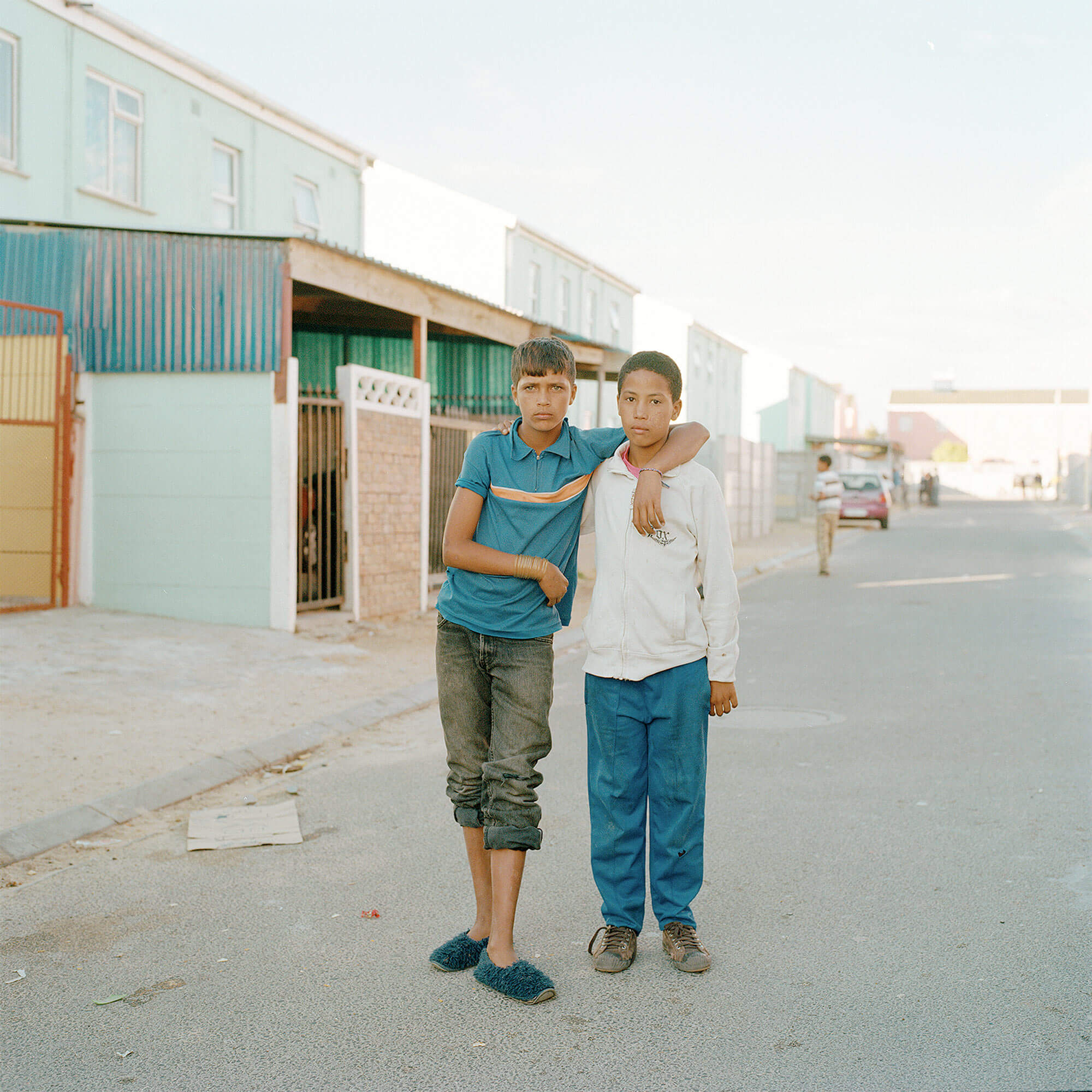 Claudio Rasano SOUTH AFRICA EVERYONE LIVE IN THE SAME PLACE LIKE BEFORE portrait of two boys