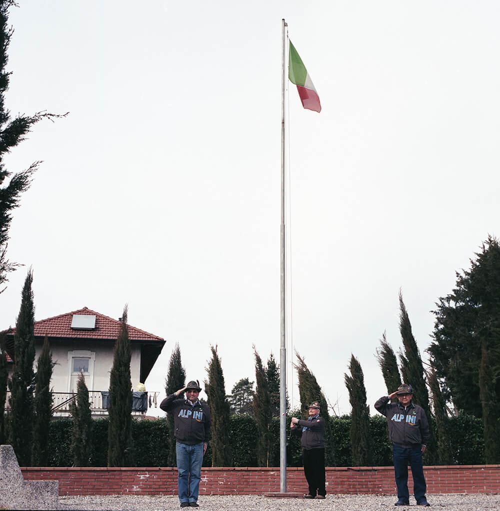 Giulia Simonotti SIAMO TUTTI ALPINI the south west collective of photography Italian flag