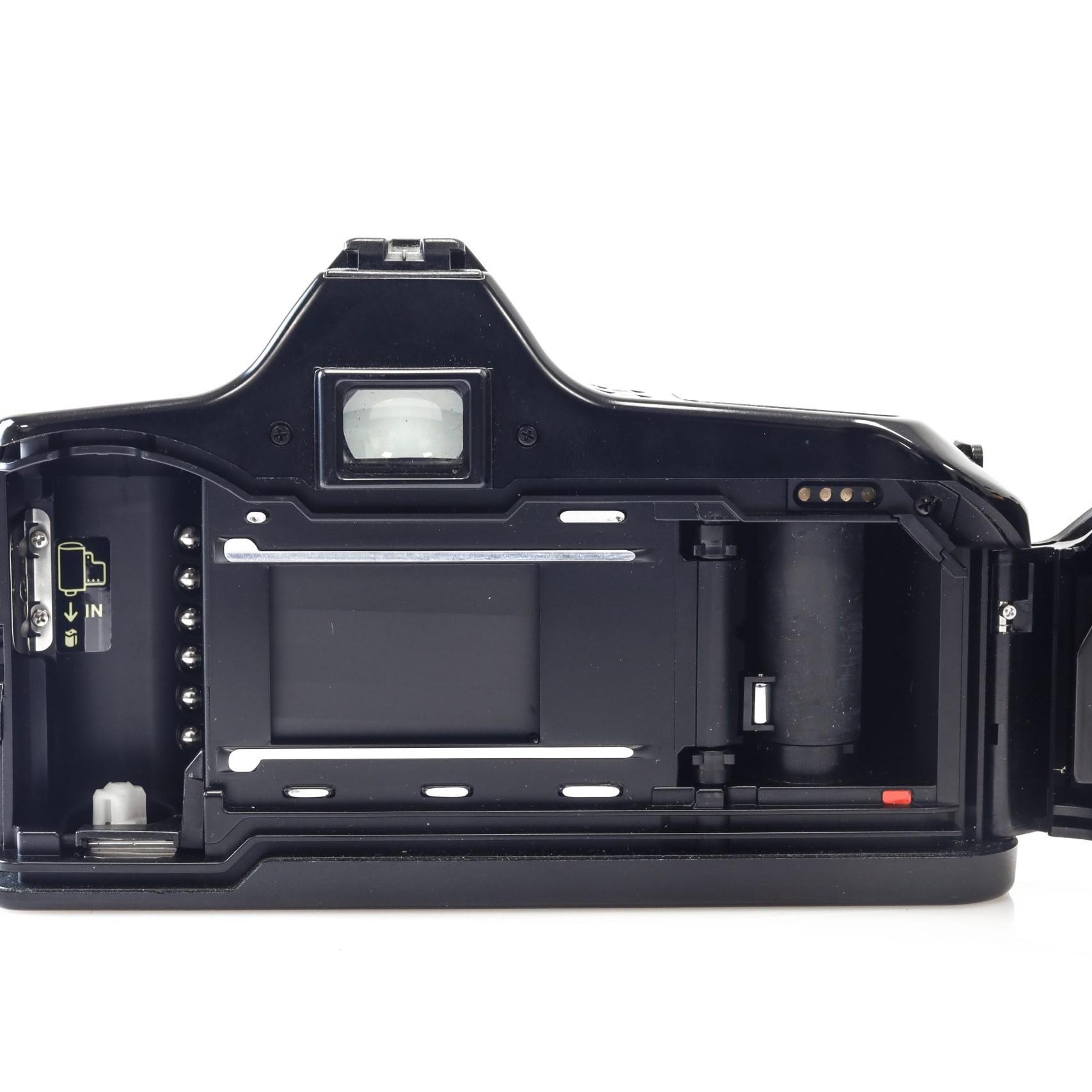 Brilliant Minolta Dynax 3000i 35mm Film Camera + Sigma AF 70-210mm Lens