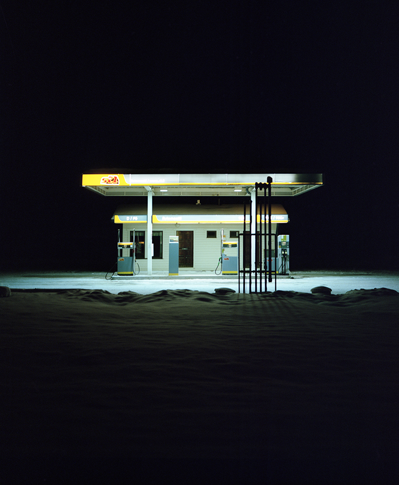 Jasmine Färling - Outokumpu the south west collective of photography petrol station at night