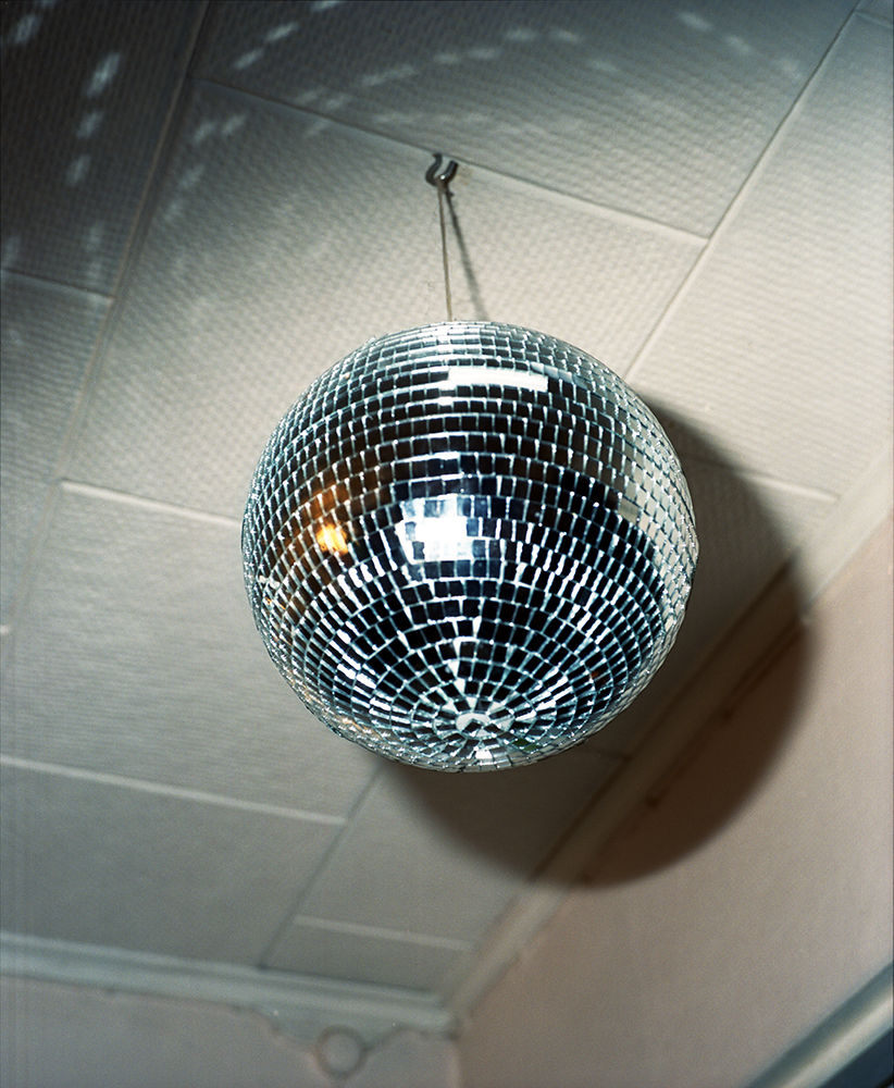 Jasmine Färling - Outokumpu the south west collective of photography disco ball