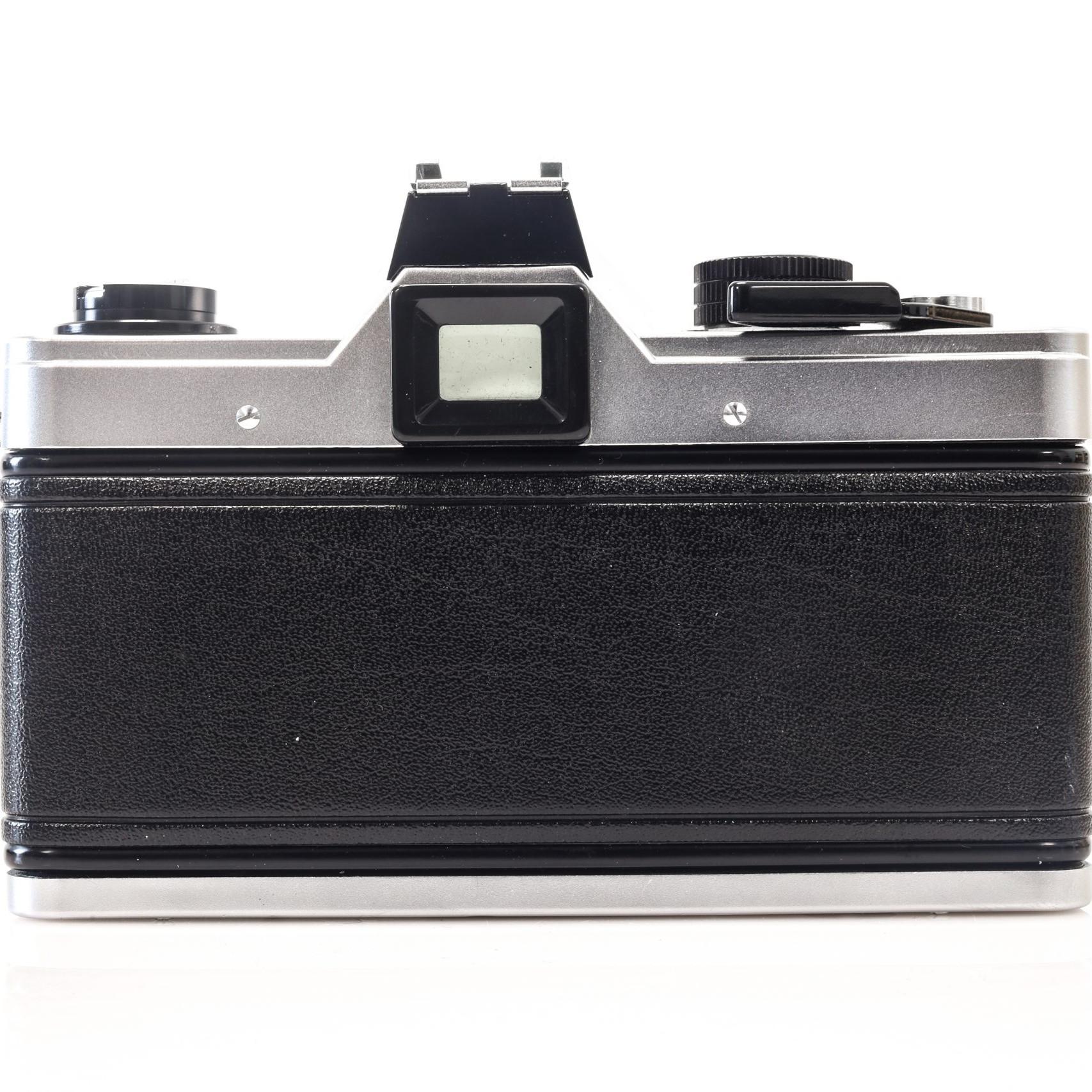 Beautiful Praktica Super TL 35mm Film Camera with 50mm F1.8 Lens