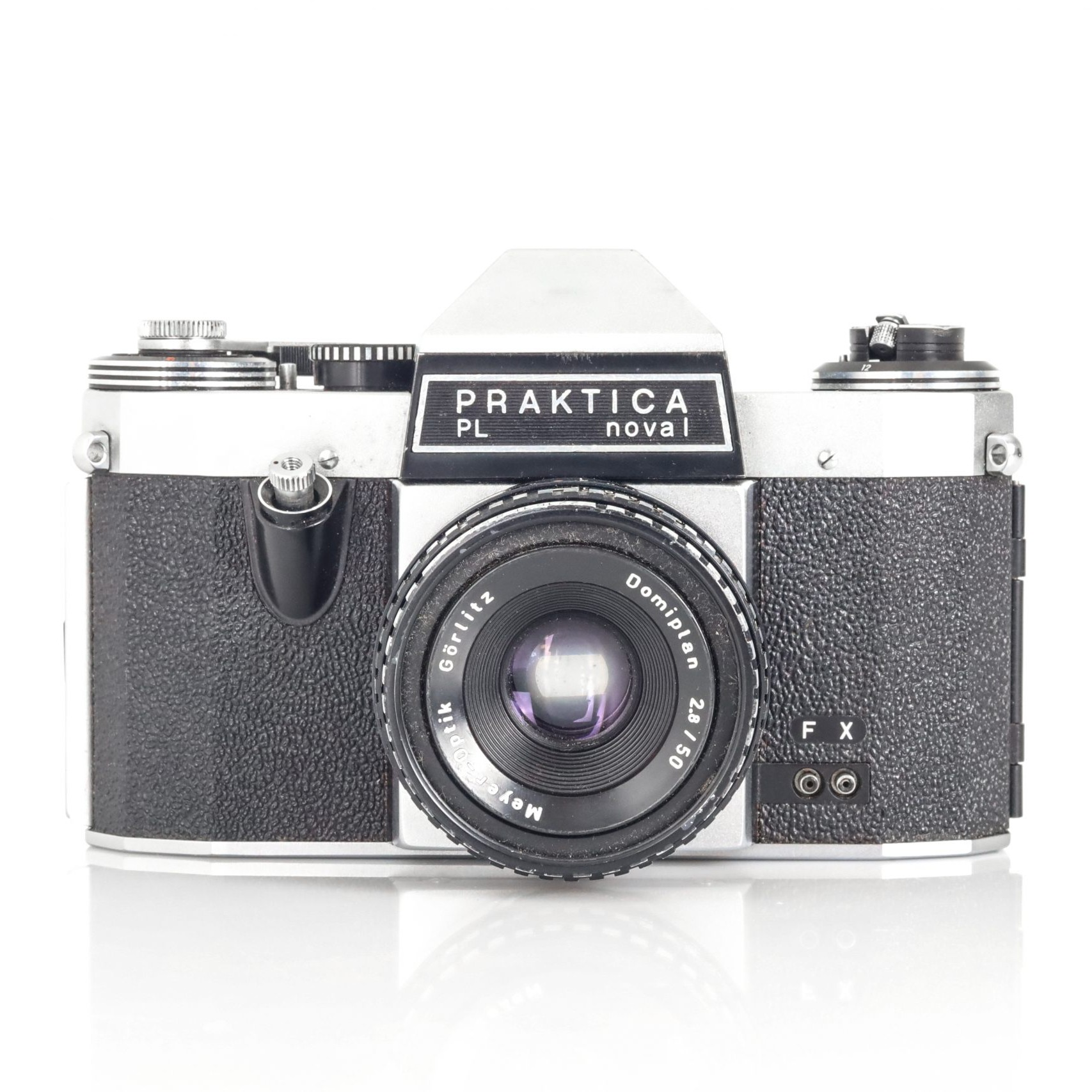 Brilliant 1970s Praktica PL Nova I 35mm Film Camera with Faulty Domiplan F2.8