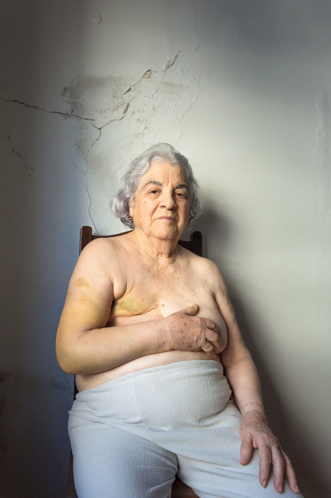 Beatriz Temudo - Olinda the south west collective old women sat naked in room