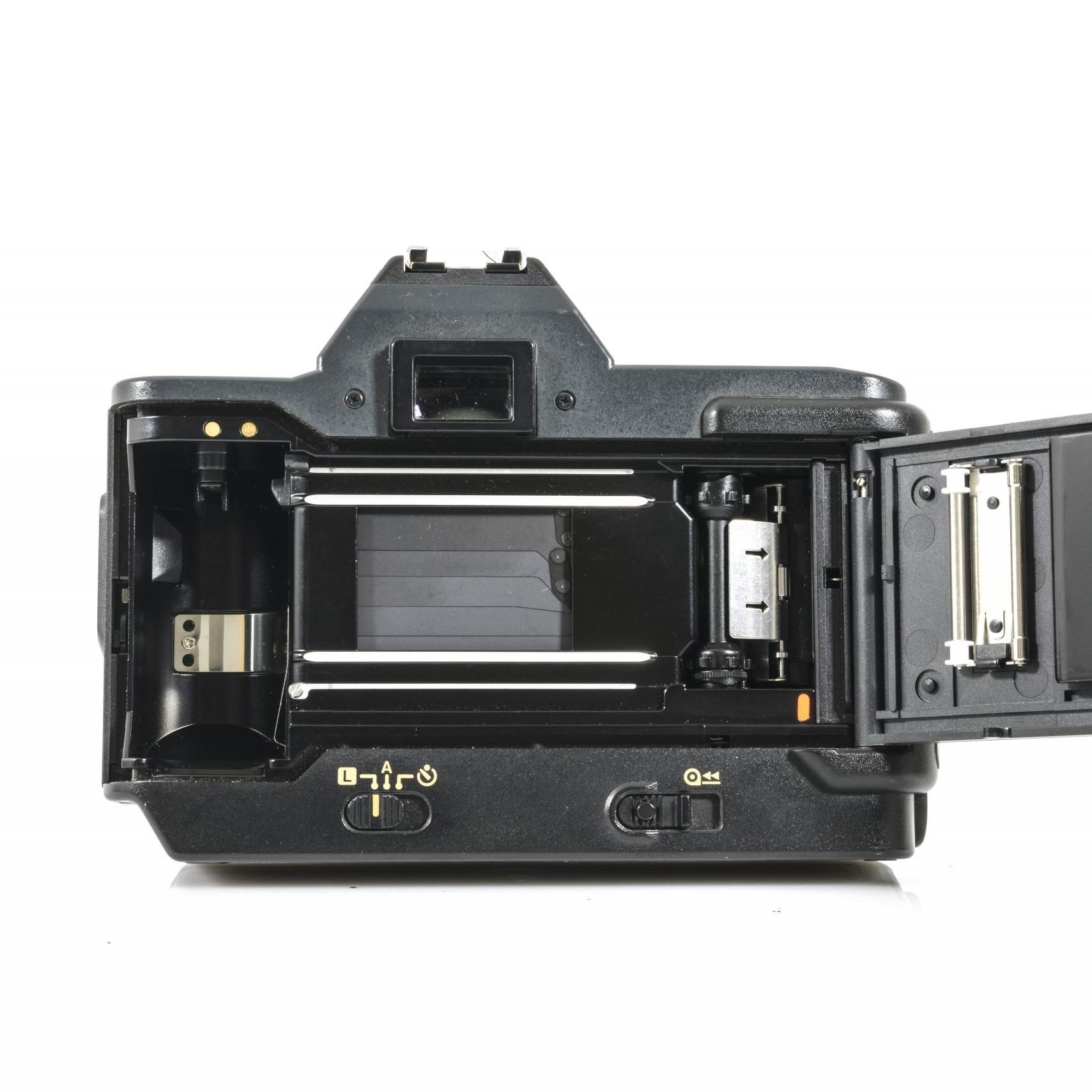 Canon T80 35mm Film SLR Camera + 35-70mm F/3.5-4.5 Lens & 75-200mm AC F4.5 Lens