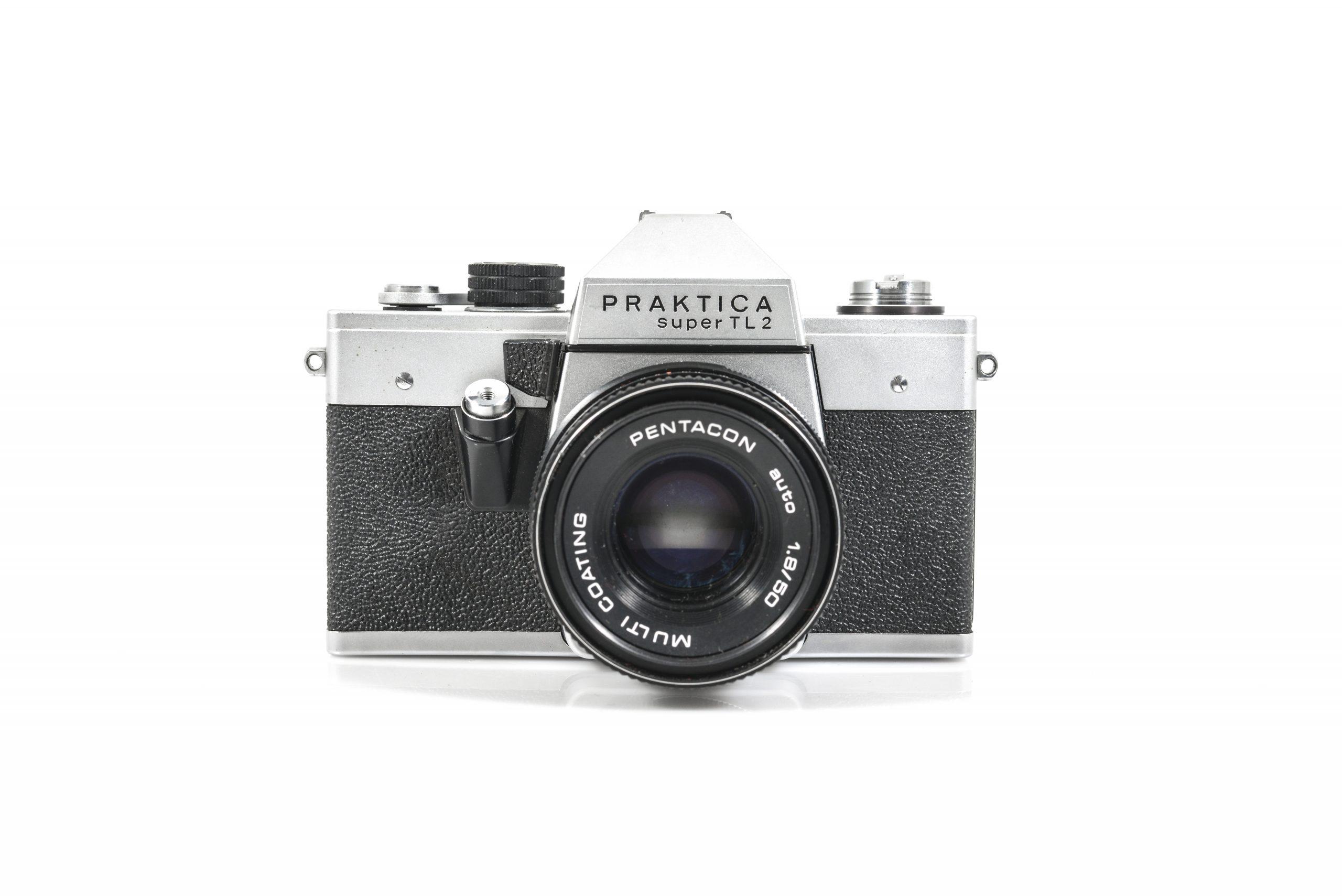 Praktica Super TL2 35mm Film Camera + Pentacon Auto/Manual 50mm F1.8 Lens