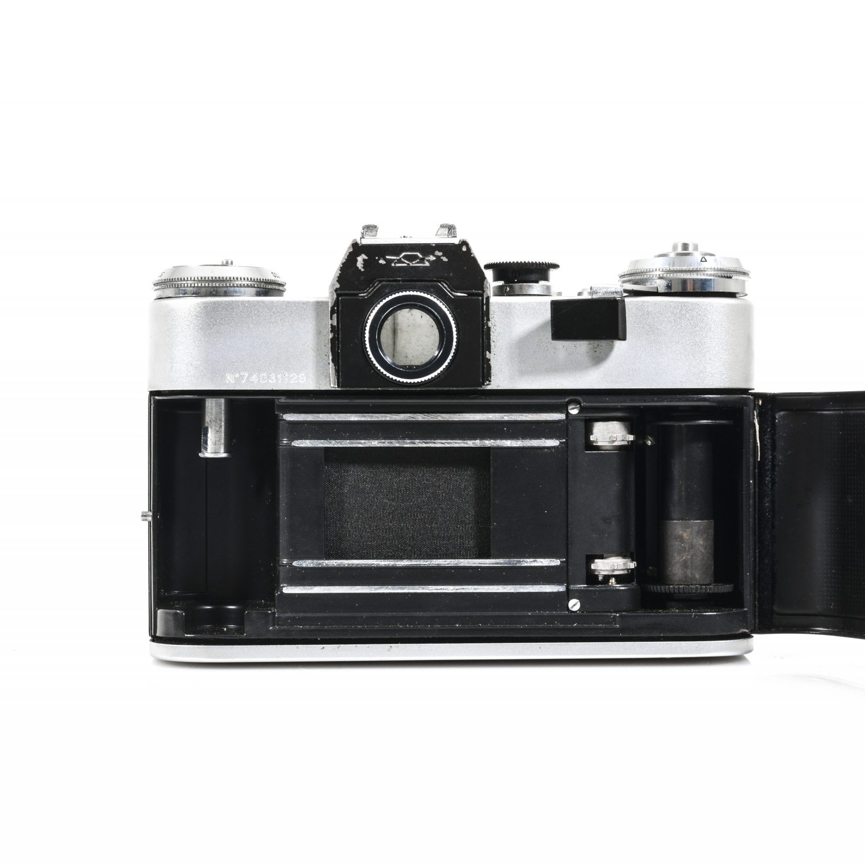 Stunning Zenit E 35mm Film Camera with Helios 44m 2/58 Lens (Excellent condition – Tested and Working)